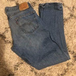 Men's Levi's jeans, medium wash